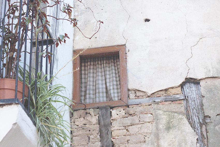 gata ventana mini