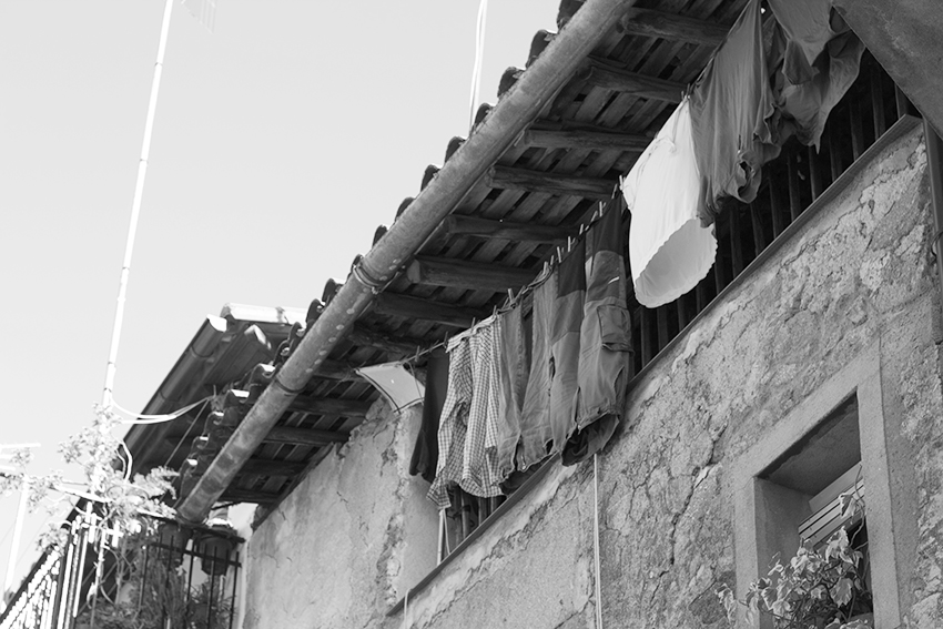 hoyos balcon ropa