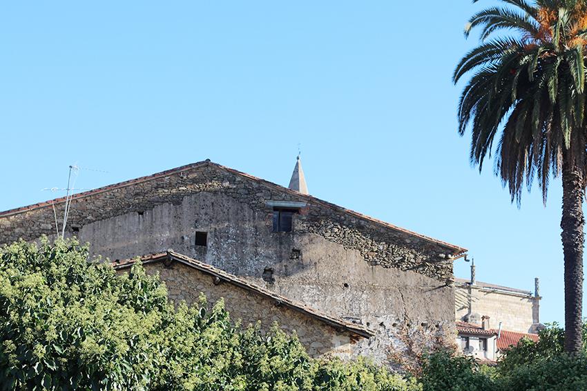 hoyos fachadas