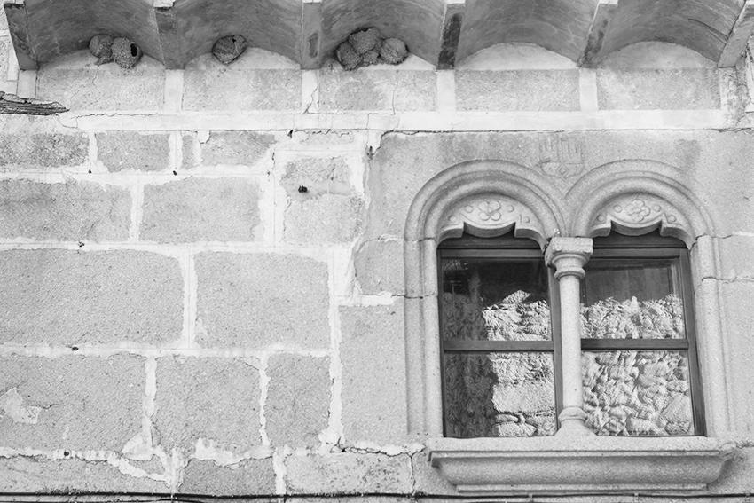 hoyos ventana doble