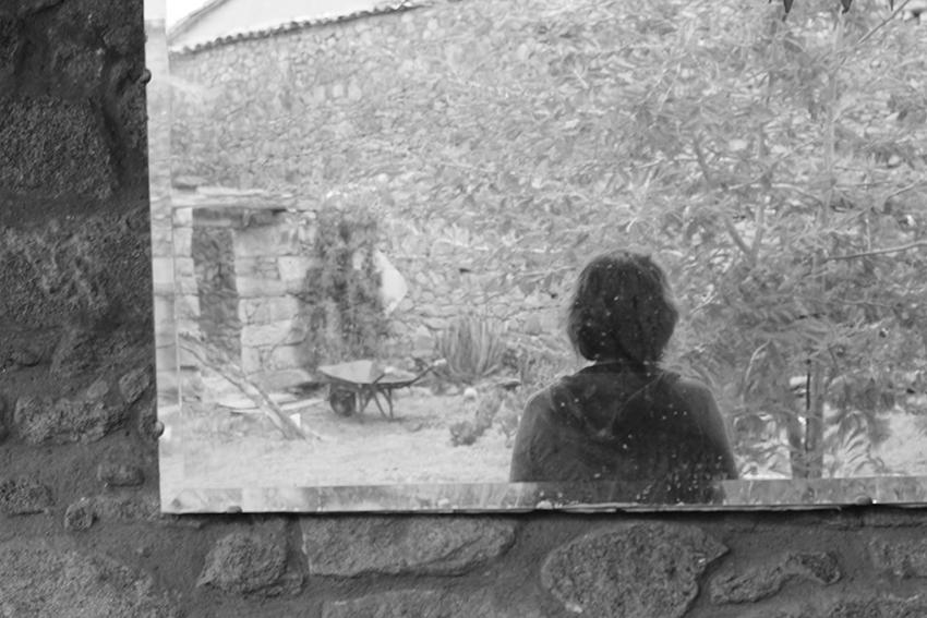 sara reflejo espejo